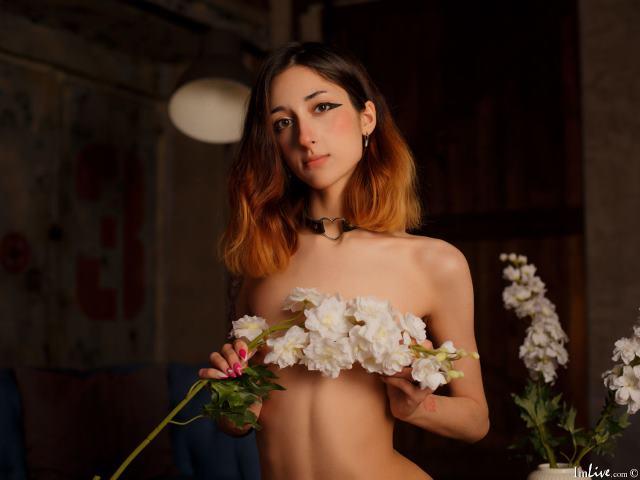 Melonie_May at ImLive