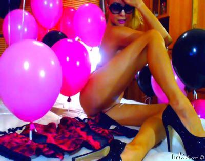 MissJennifer, 25 – Live Adult cam-girls and Sex Chat on Livex-cams