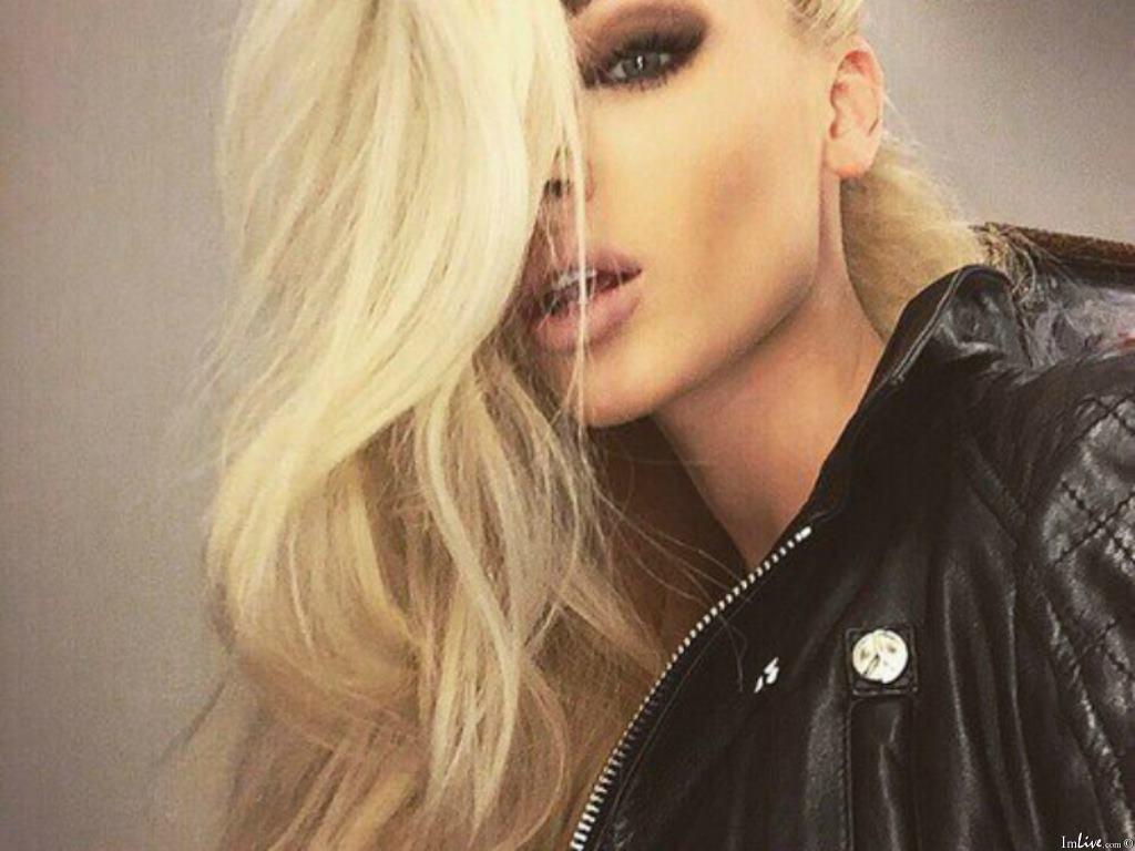 Blondie4Y's Profile Image